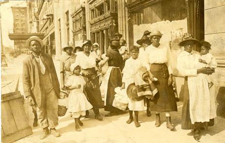 esl_blacks_fleeing_1917